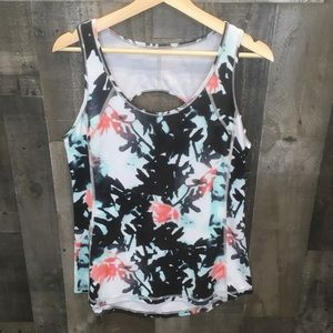 Old navy floral go dry workout tank top NWT